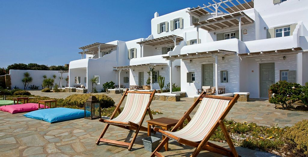 This family run hotel offers warm Greek hospitality