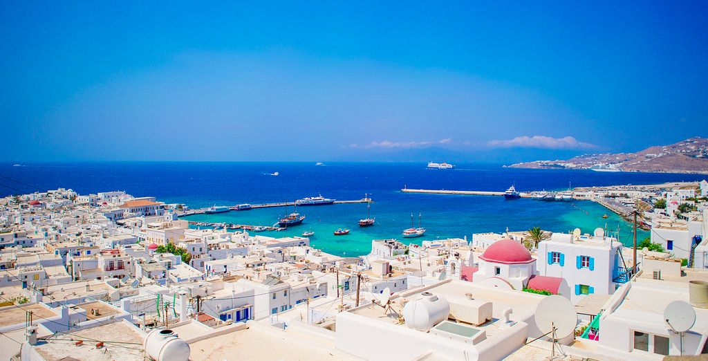 The stunning island of Mykonos awaits you!