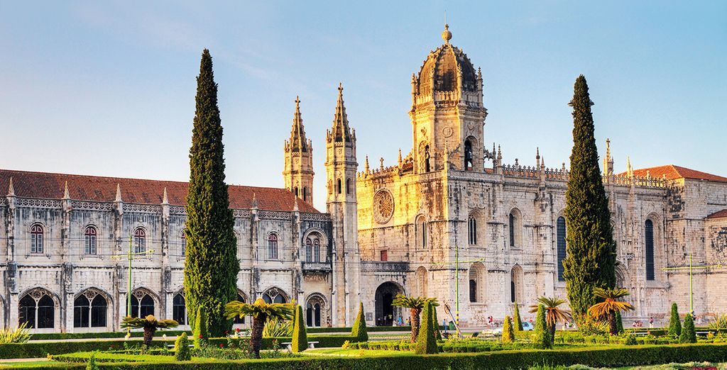 Its amazing architecture (Jeronimos Monastery)