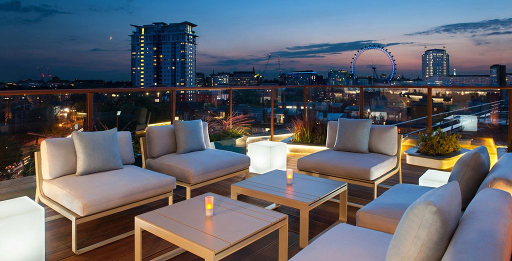 A cool rooftop bar with amazing city views...