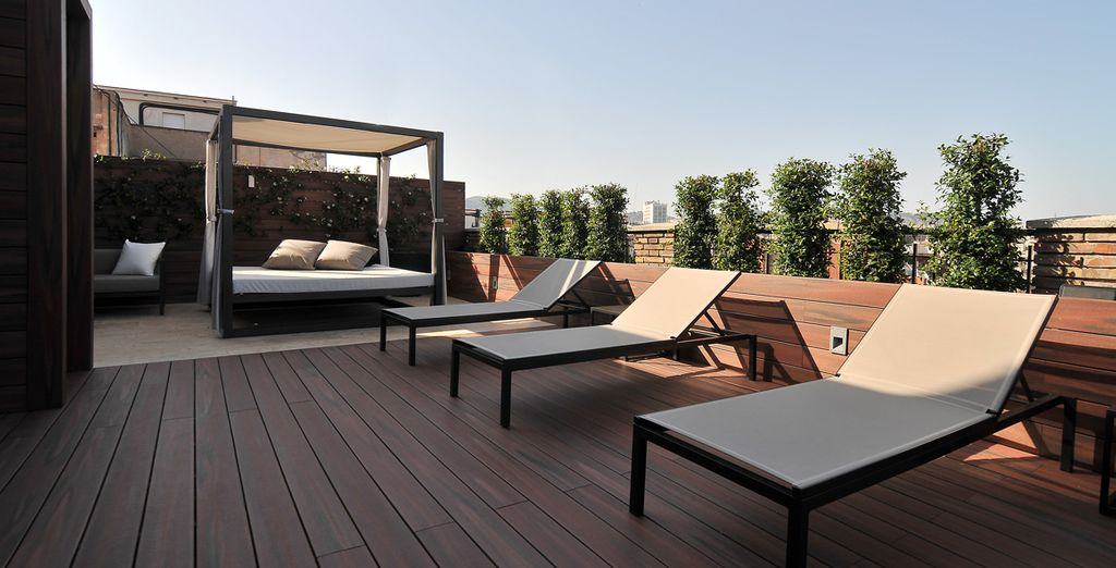 In spring & summer, you can soak up some Spanish sun on the 10th floor terrace
