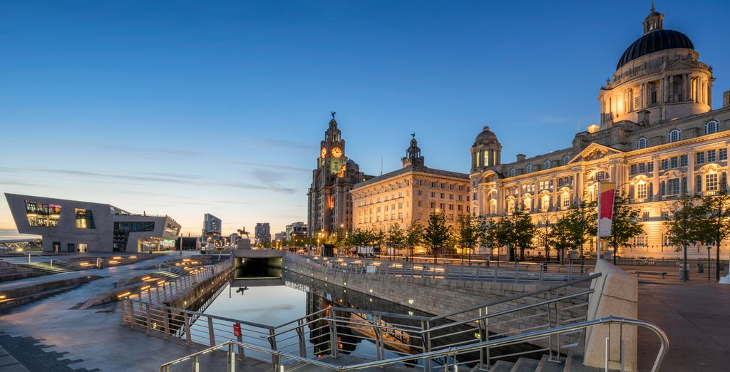 Ideally located to visit nearby Liverpool