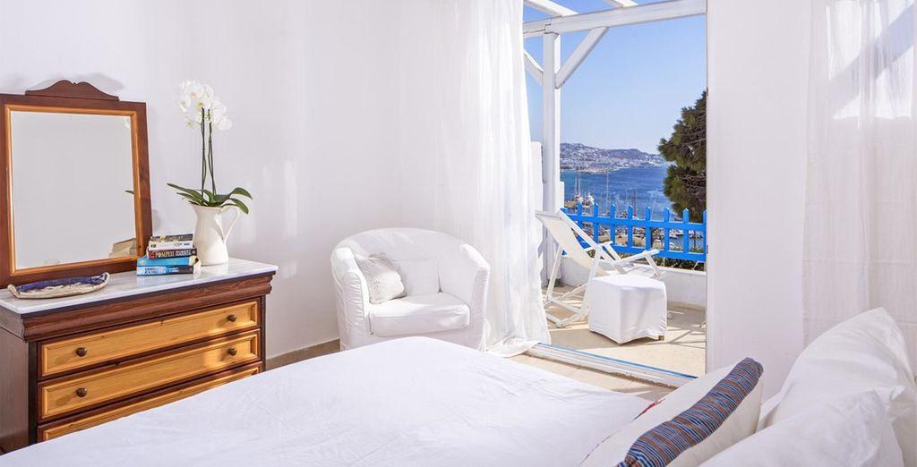 Sea views and chic decor...