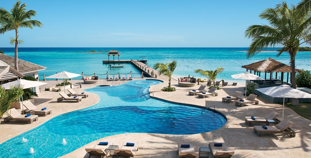 So come and soak up the sun at this fabulous resort