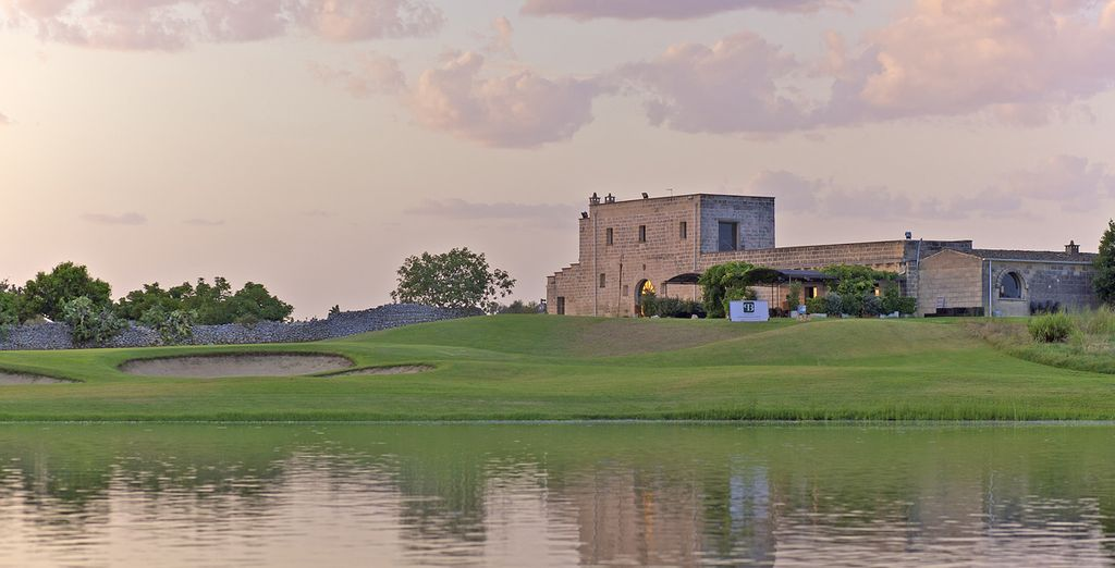 As dusk approaches, Hilton Acaya Golf Resort & Spa 4* will be waiting to ensure the ultimate comfort for our guests