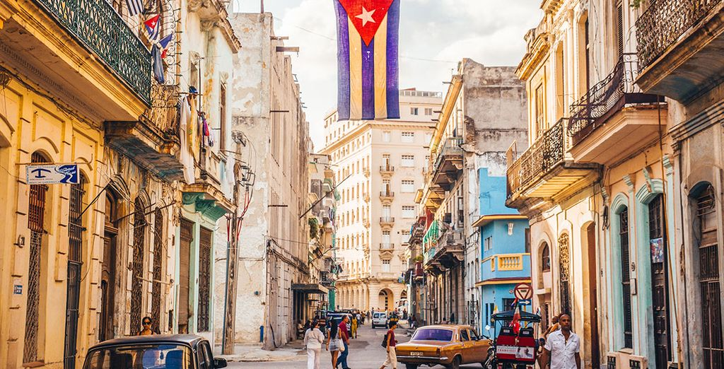 Explore Cuban Street during your holidays with Voyage Privé