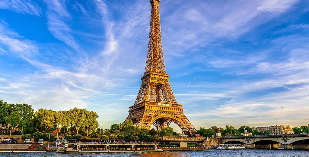 Weekends in Paris - Eiffel Tower