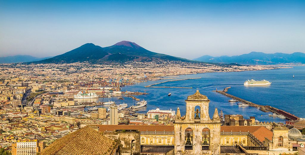 Discover all the wonders and curiosity of Naples