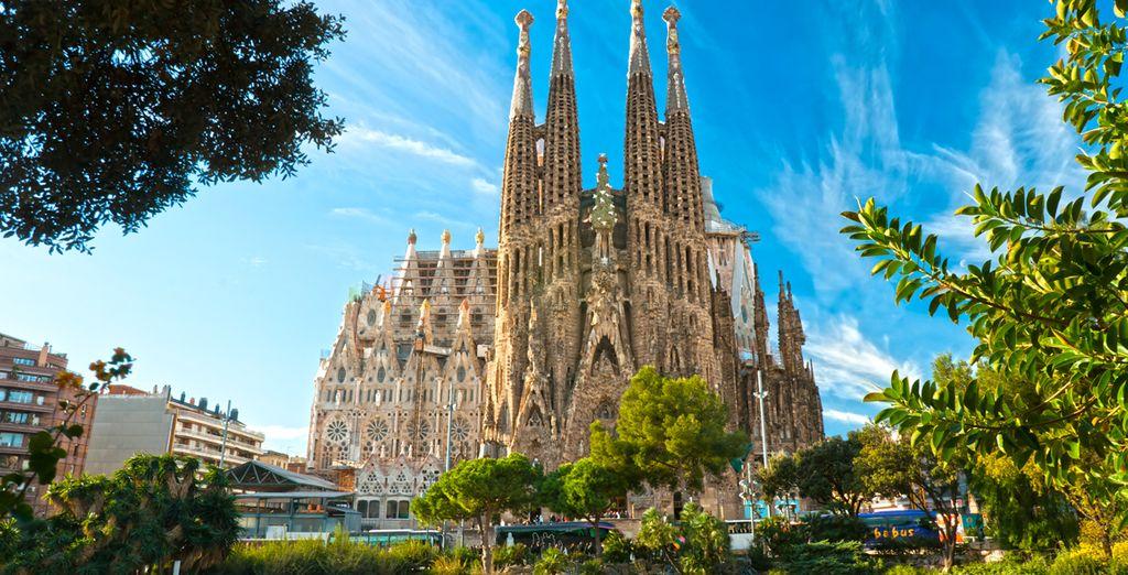 visit Sagrada Familia, Spain