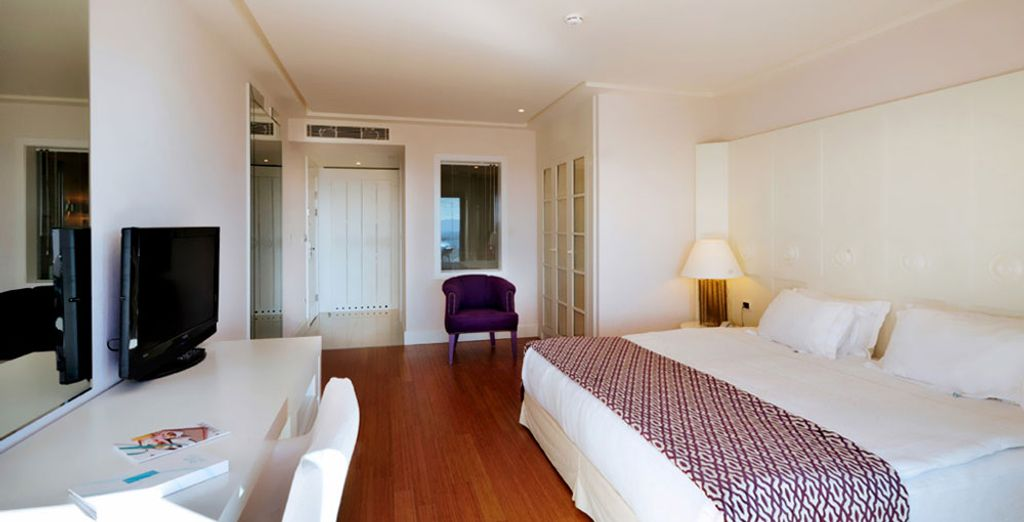 Stay in a comfortable Deluxe Room