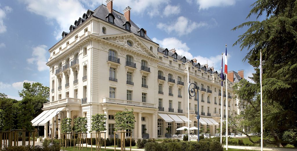 And a stay at Trianon Palace Versailles 4*