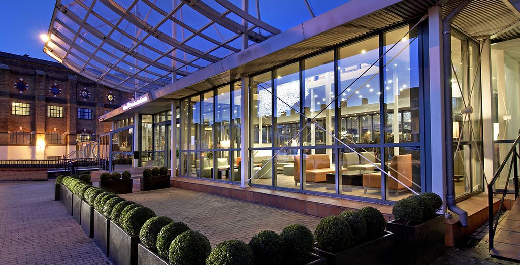 Double Tree by Hilton London Docklands Riverside 4*