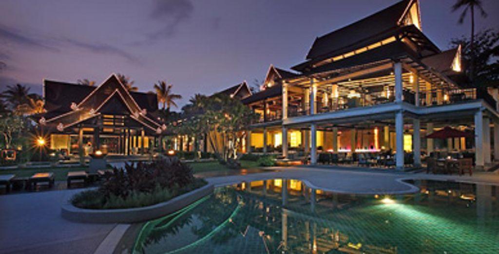 - Amari Palm Reef*****, Koh Samui & Traders Hotel**** - Thailand & Singapore Koh Samui & Singapore