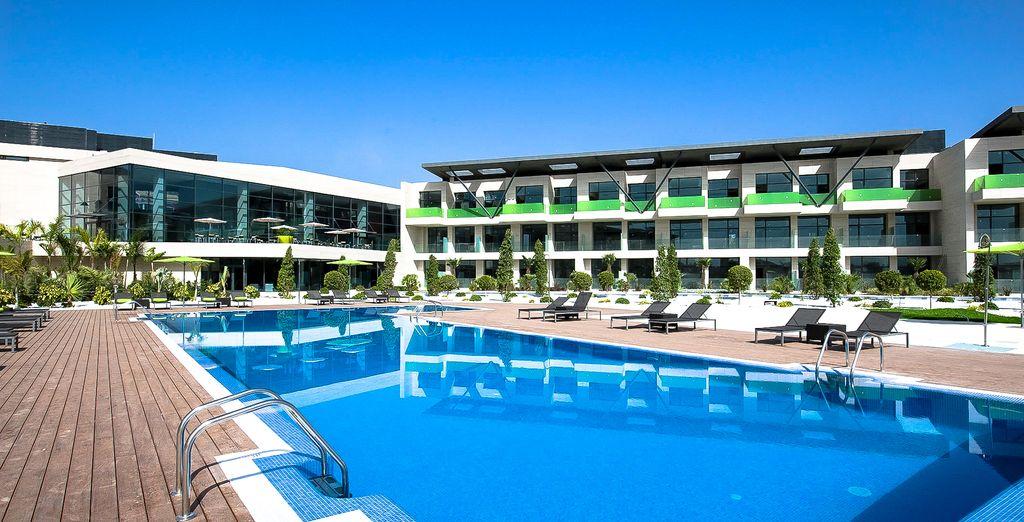 Relax by the pool - La Finca Golf & Spa Resort 5* Alicante