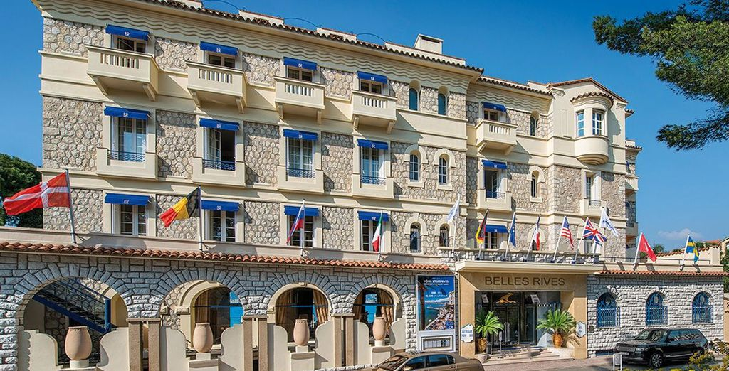 Stay at the 5-star Hotel Belles Rives