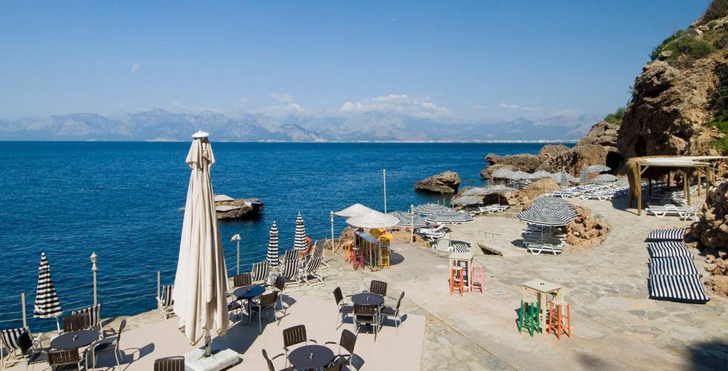 Luxury hotels with private beach in Antalya