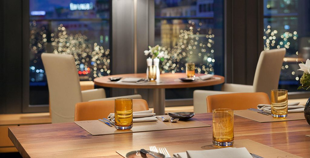 Dine with a great view over the Kurfuerstendamm