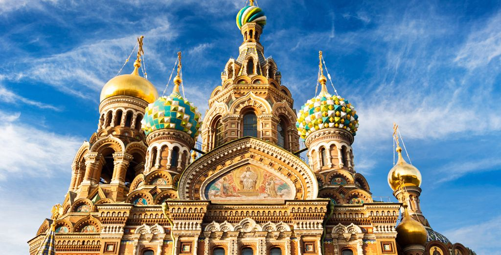 Experience the opulence of St Petersburg