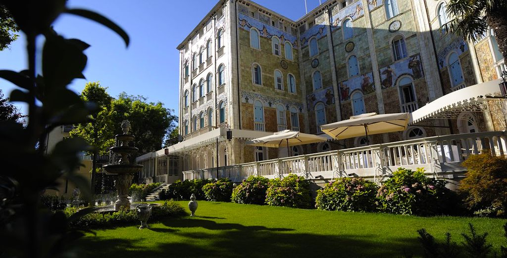 Sit back and relax at the Grande Albergo Ausonia & Hungaria Wellness & Spa