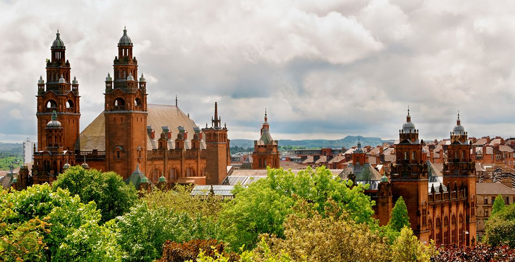 Explore Glasgow, the modern and classical city