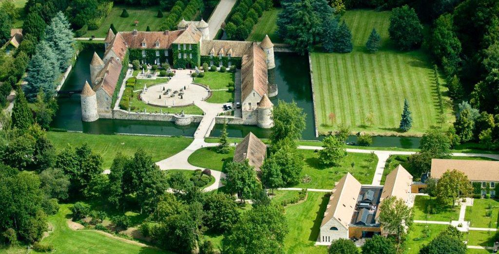 Nestled in the beautiful French countryside of Villiers le Mahieu