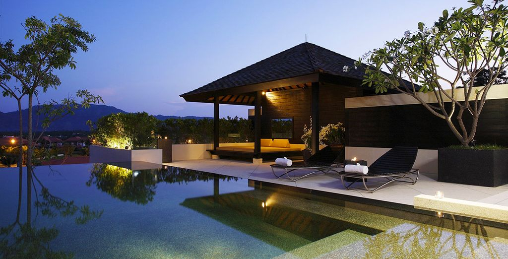 Unwind in your Spa and Pool Pavilion