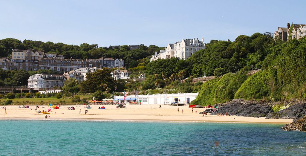 Relax on the stunning Cornish coast in a privileged location