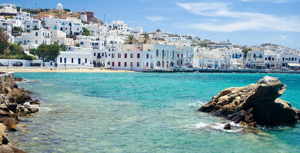 Just 2.5km from Mykonos town