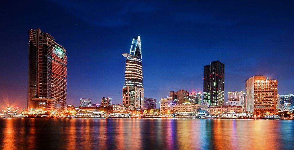Bustling citys (Ho Chi Minh)