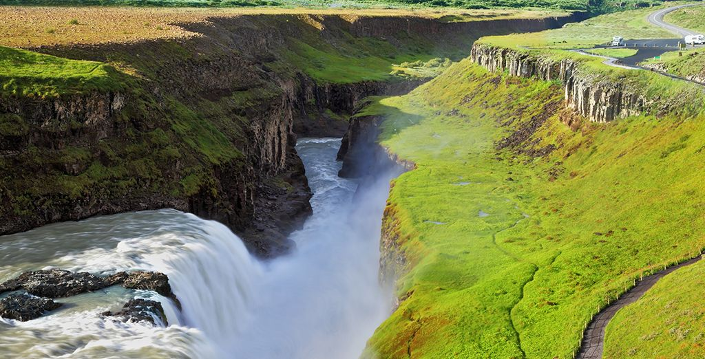 And awe inspiring sights, where you can stand or the ridge between the Eurasian and North American Tectonic Plates!