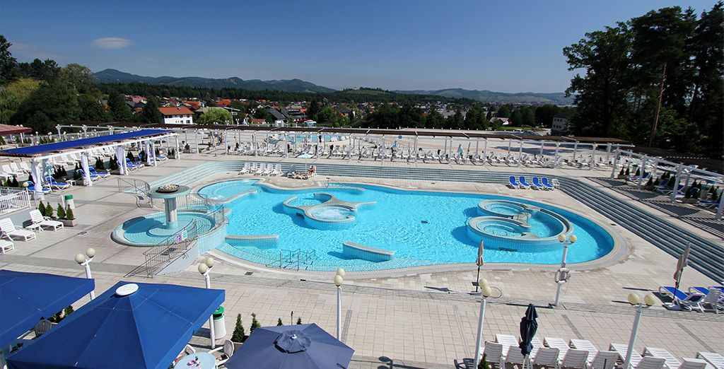 Take a dip in the outdoor pool, facing the wonderful scenery...