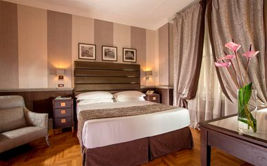Hotel Royal Court 4*