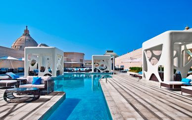 V Curio Hotel By Hilton y Hotel Maritim Resort & Spa 5*