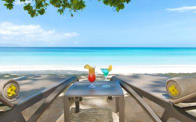 The H Resort Beau Vallon Beach, Seychelles 5* e volo Emirates