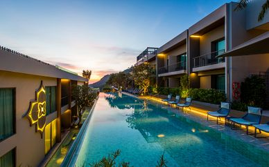 The Grand Fourwings Convention 5* + MAI HOUSE Patong Hill 5*