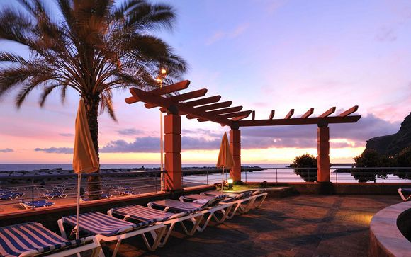 Hotel Savoy Calheta Beach 4*