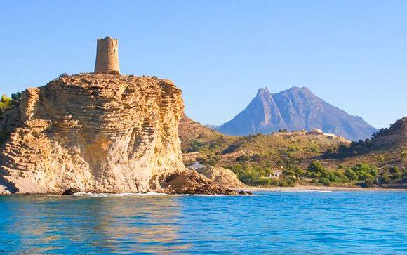 Villajoyosa, entre Alicante y Benidorm, te espera
