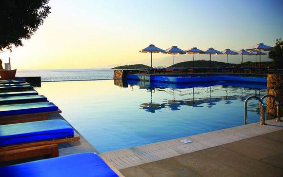 El Hotel St Nicolas Bay Resort 5* le abre sus puertas