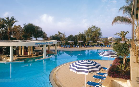 Sant Raphael Resort 5*