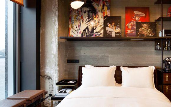 Sir Adam Hotel 4*