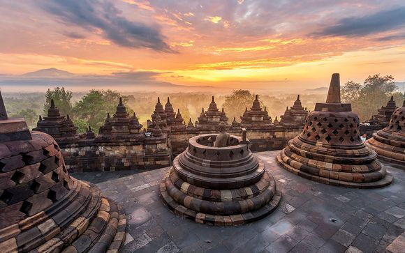 Playas y volcanes de Java y Bali