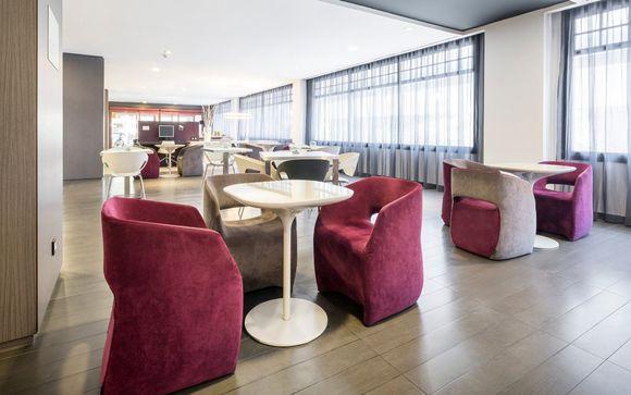 Hotel Ilunion Romareda 4*