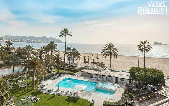 Vistas al mar y a la piscina desde tu terraza
