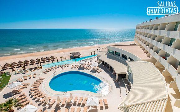 Junto a la playa con pensión completa y spa