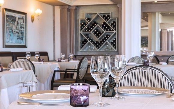 Grand Hotel Les Flamants Roses 4*