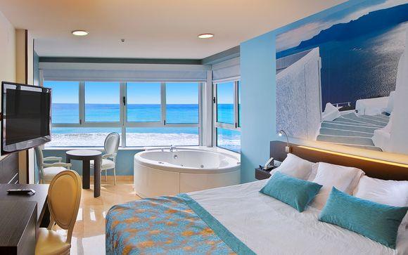 Todo incluido y jacuzzi en la habitación con vistas al mar