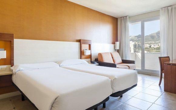 Hotel Ilunion Fuengirola 4*