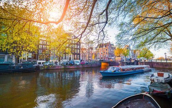 NH Amsterdam Zuid 4*