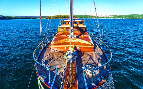 Étroit bateau datant du Royaume-Uni