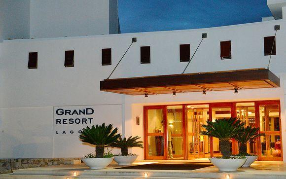 Poussez les portes du Grand Resort Lagonissi 5*